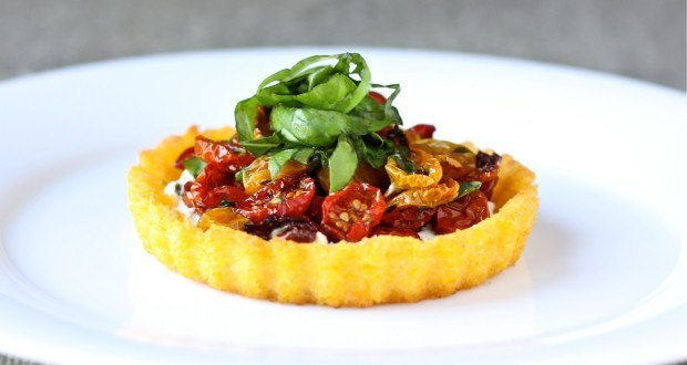 polenta tart with goat cheese and slow roasted tomatoes _ daisysworld ___