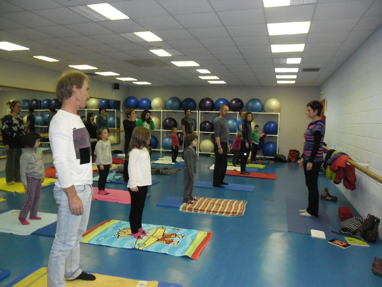 Photo of TTiKLiK! AL MUNDO: yoga en familia